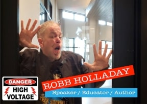 Robb Holladay speaks about dangers of vaping