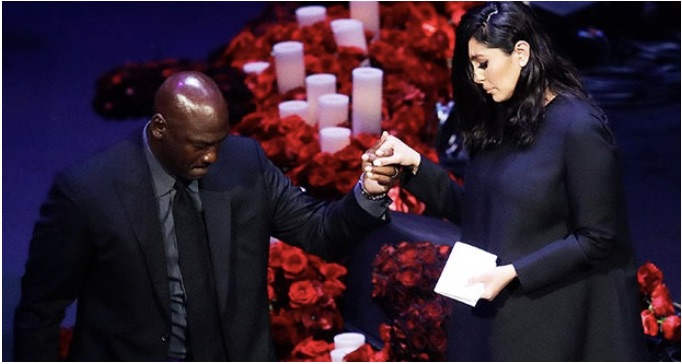 Vanessa+Bryant+and+Shaquille+O%E2%80%99Neal+at+Kobe+Bryant%E2%80%99s+memorial.+O%E2%80%99Neal+helping+Vanessa+Bryant+descend+the+stage.+Photo+courtesy+of+Google+Images.